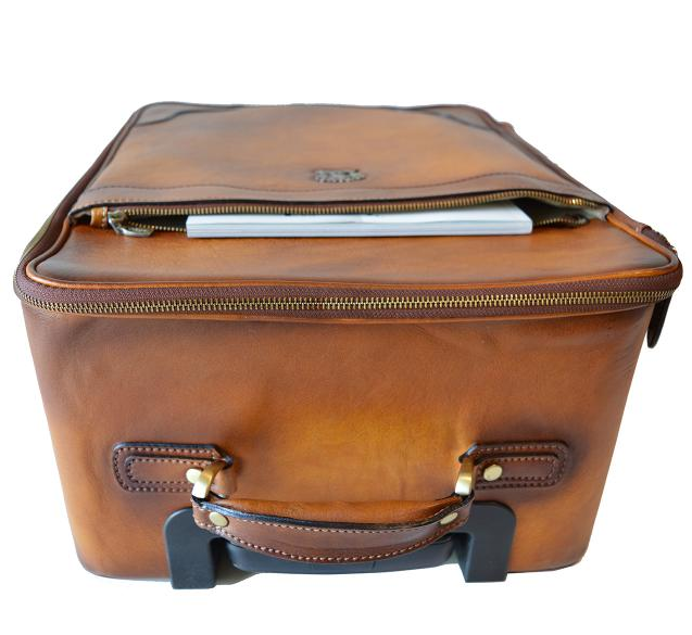 e0c0cf7b52890 kožená cestovná taška s kolieskami Continental 1 - pohlad 1 -  www.glancshop.sk kožená ...